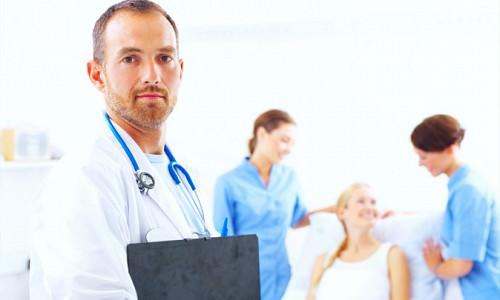 врач при гирсутизме
