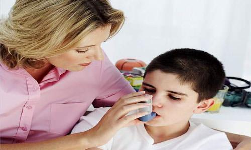 астма первая помощь